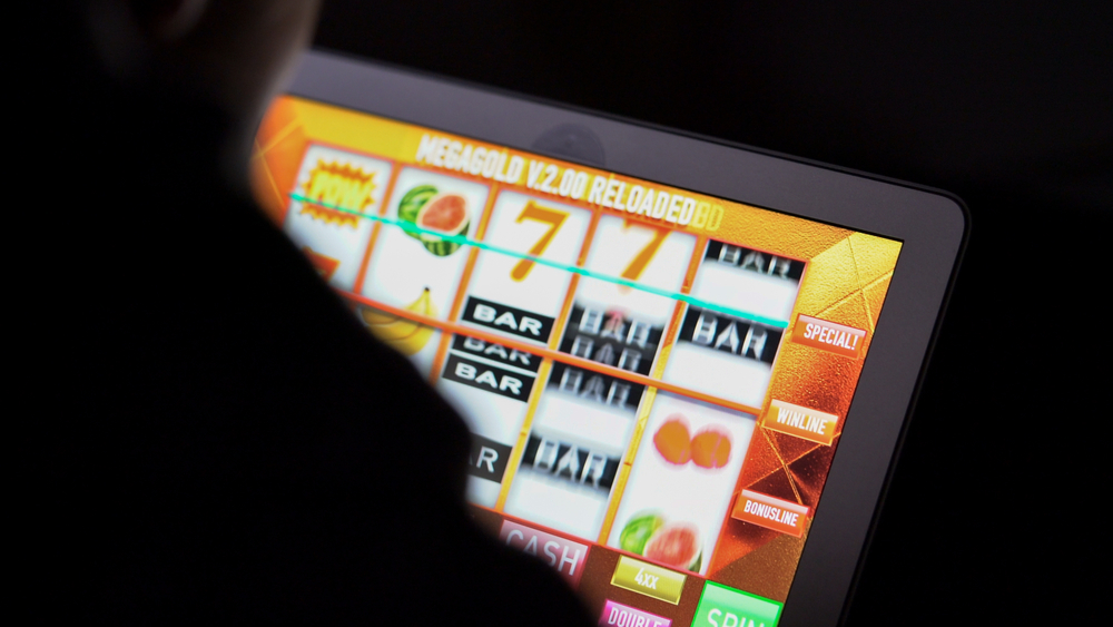 How to attract customers with the help of online casino software